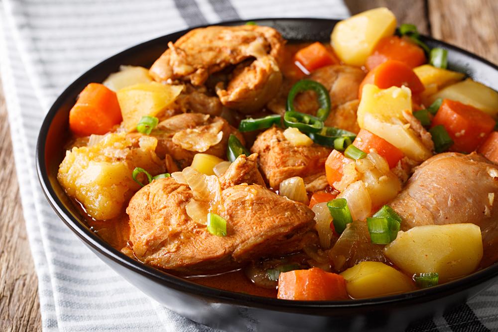 Dakdoritang (spicy Korean chicken stew)