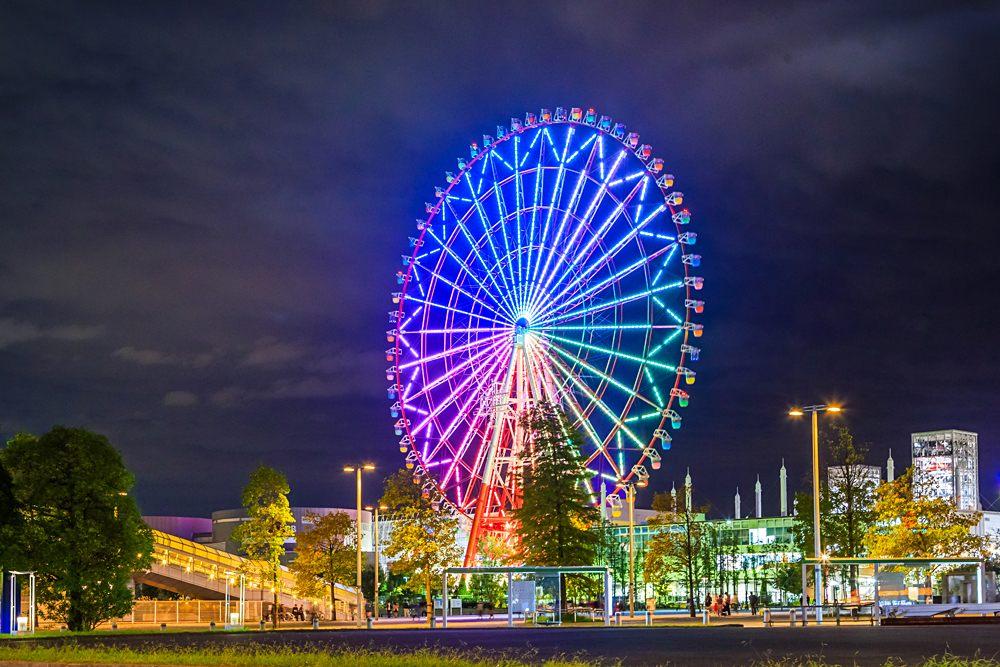 Night view of giant ferris wheel on Odaiba, Tokyo, Japan