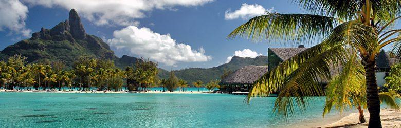 Turquoise water at Bora Bora island beach, Tahiti (French Polynesia)
