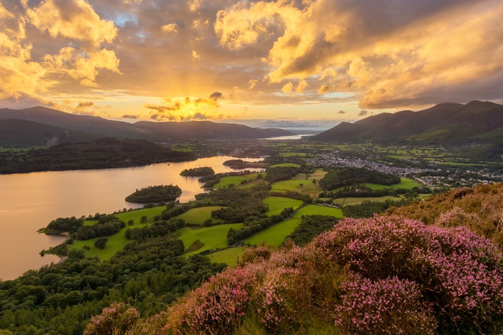 Beautiful sunset with dramatic clouds overlooking Derwentwater in the English Lake District, UK (United Kingdom)