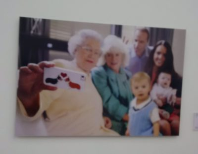 Bob Glazier - Photo of Queen's Selfie portrait displayed at Saatchie Gallery, London, UK (United Kingdom) _20170805_131618