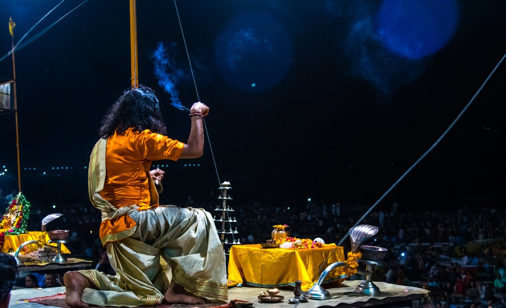 Aarti ceremony on the banks fo the Ganges at sunset, Varanasi, India