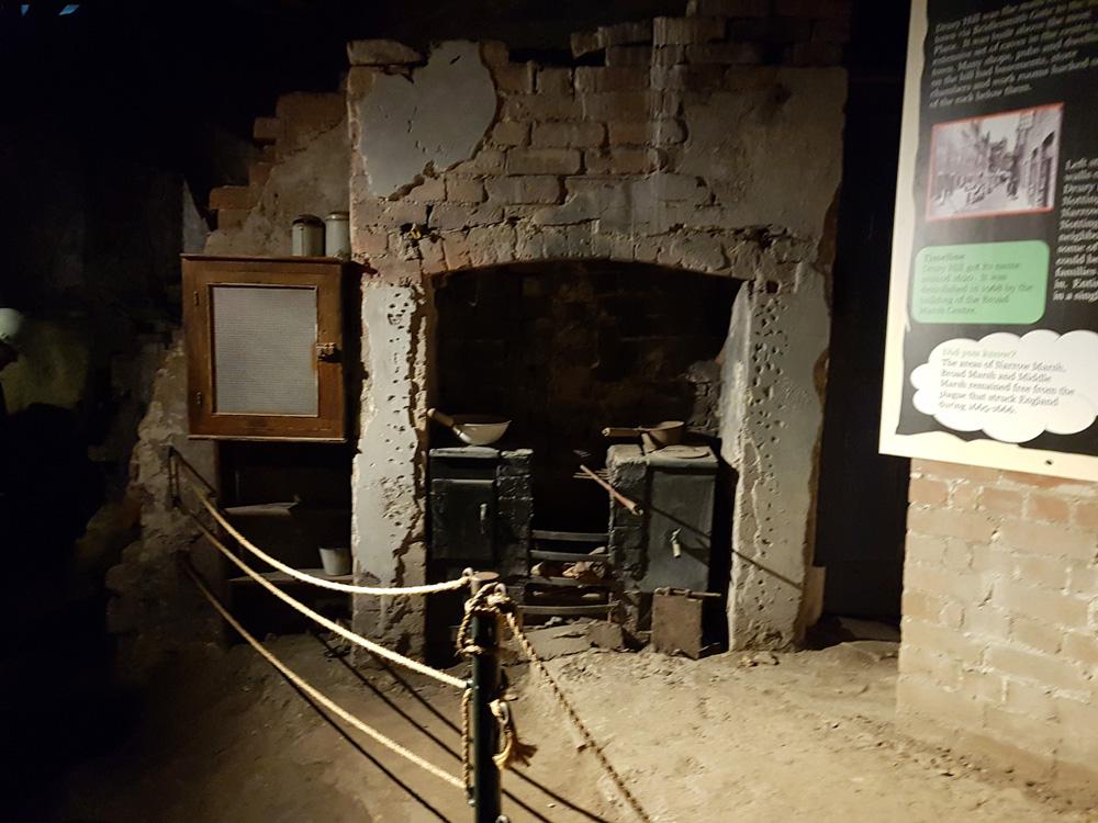 Christian Baines - An underground dwelling in Nottingham's Caves, Nottingham, England UK (United Kingdom)