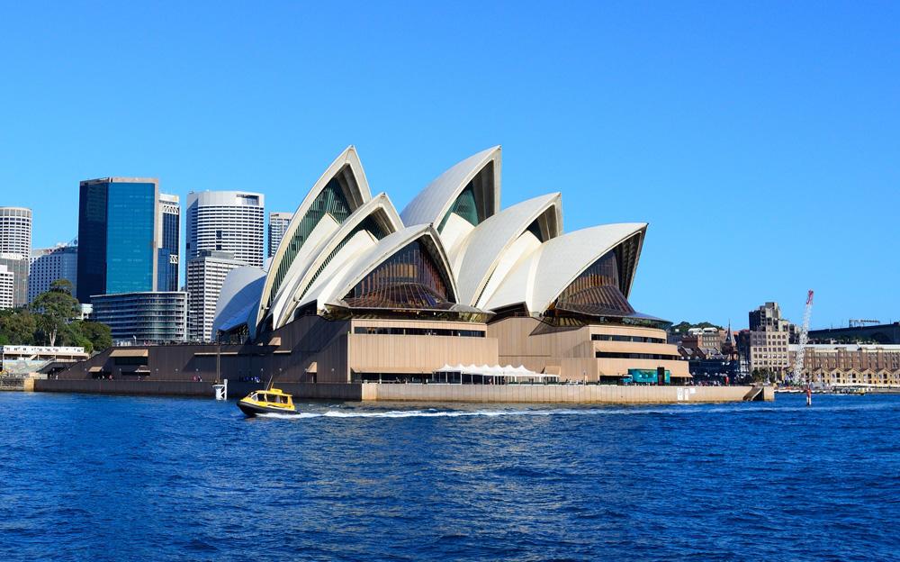 Sydney Opera House and skyline, Australia Cropped