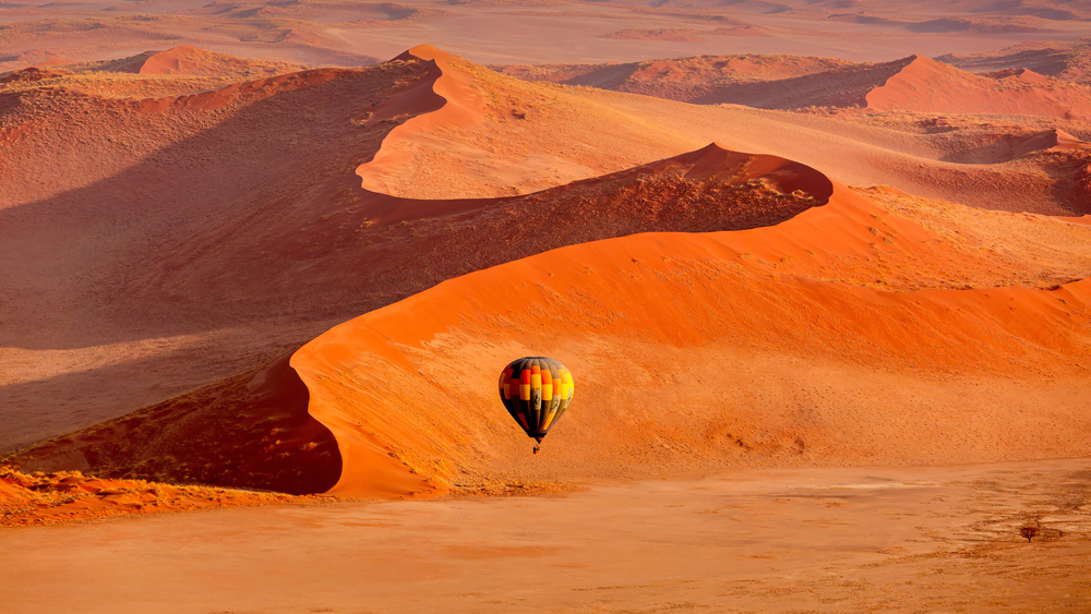 Exploring Sossusvlei by hot air balloon, Namibia