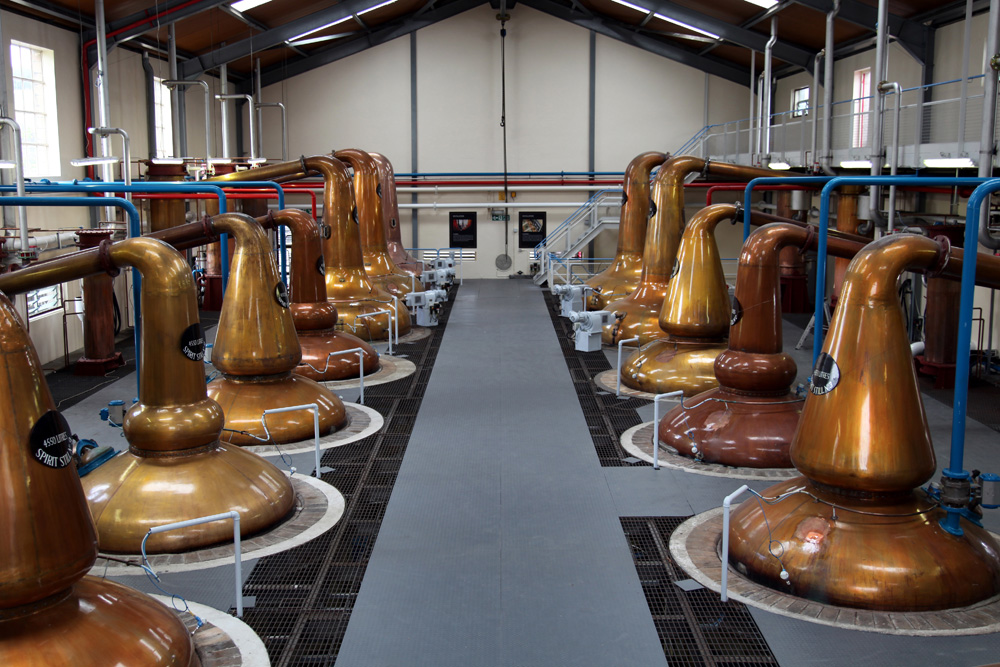 Walk around a Scottish distillery, Scotland