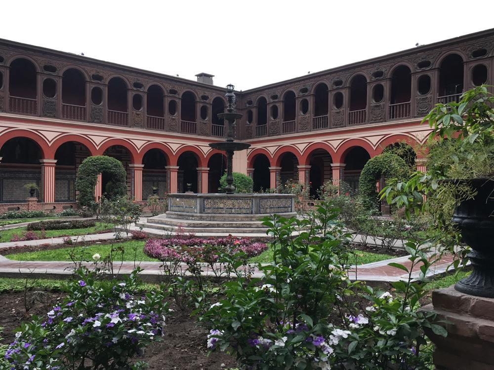 Aren Bergstrom - Convent de Santo Domingo, Lima, Peru