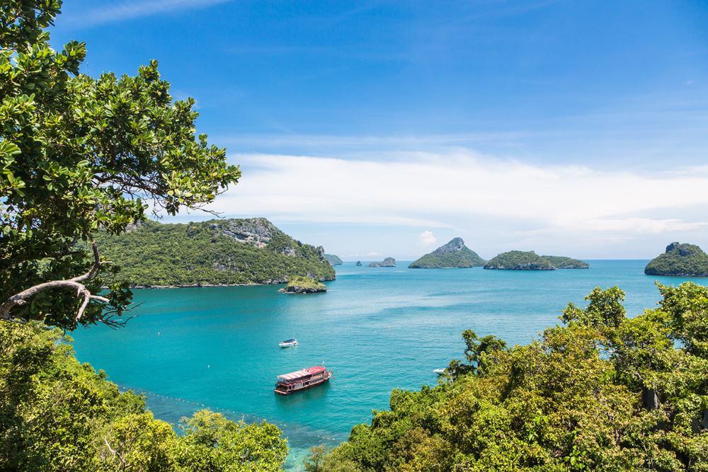Boats in Ang Thong Marine National Park, Koh Pha Ngan, Thailand