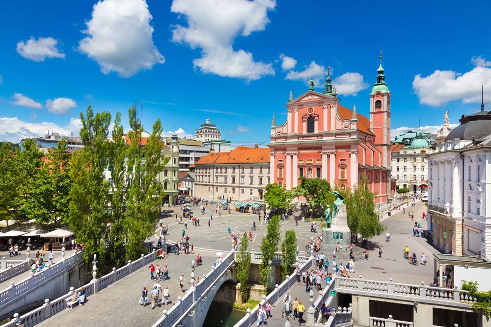 Triple Bridge (Tromostovje), Preseren Square and Franciscan Church of the Annunciation, Ljubljana, Slovenia
