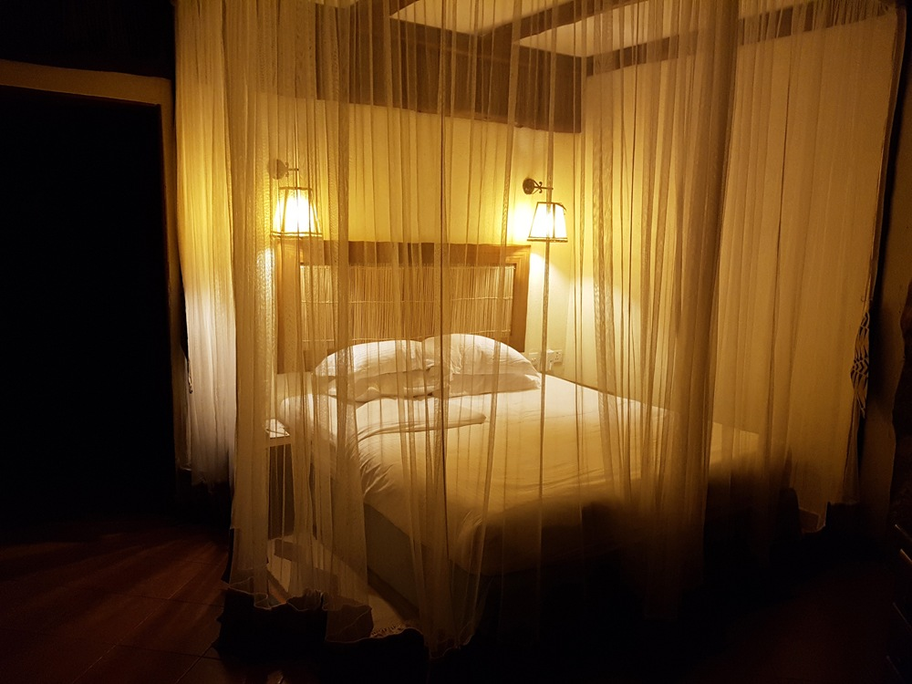 Christian Baines - Mosquito netting is a safari essential, Kilaguni Serena Lodge, Tsavo, Kenya _194643
