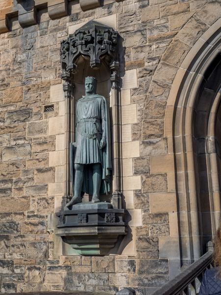 Robert Bruce statue at entrance to Edinburgh Castle, Edinburgh, Scotland