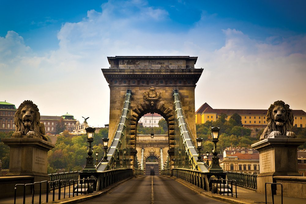 Szechenyi Chain Bridge suspension bridge Budapest, Hungary