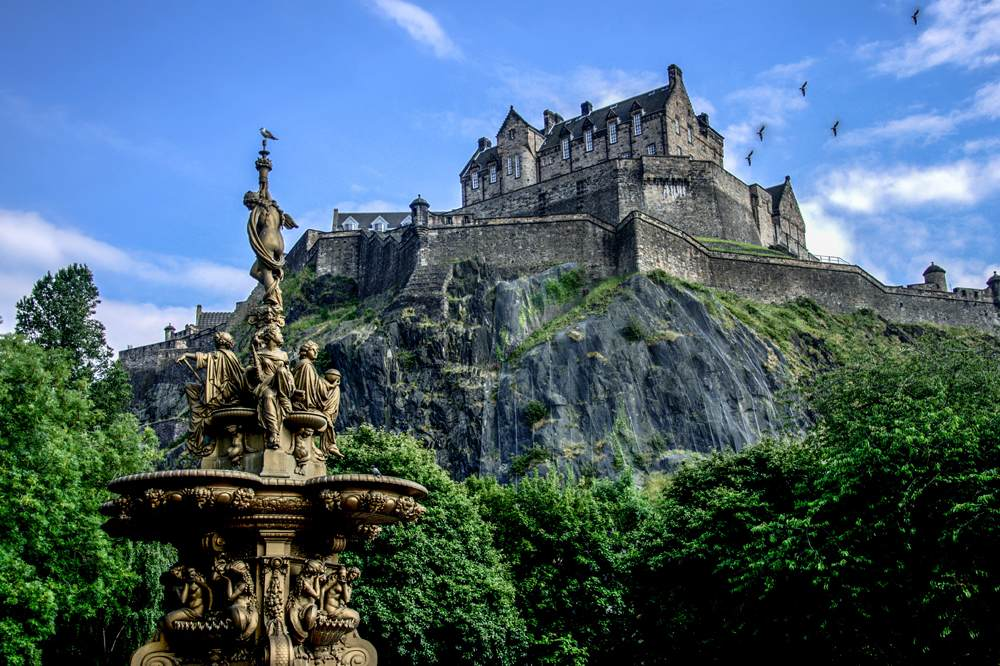 Edinburgh Castle during summer, Scotland, UK (United Kingdom)