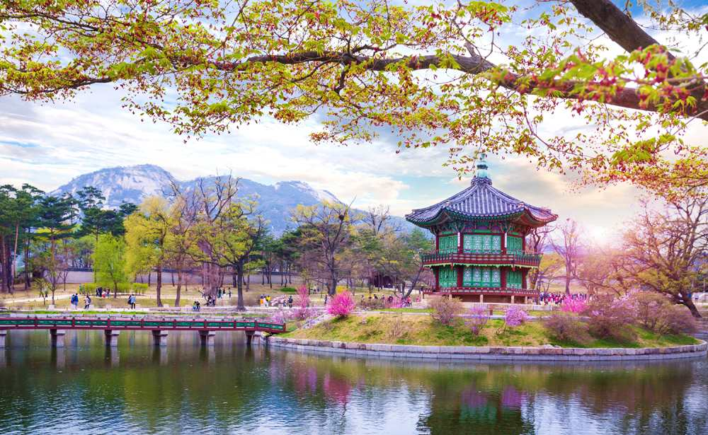 Gyeongbokgung Palace in spring, Seoul, South Korea
