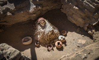 Chauchilla Cemetery with pre-Incan mummies in Nazca desert, Peru