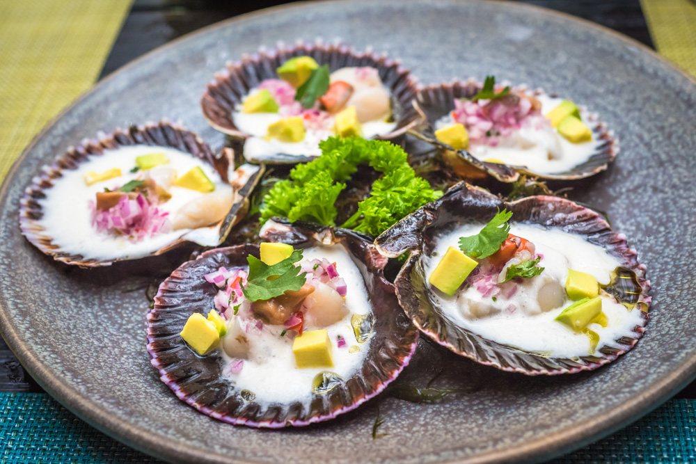 Fresh scallops, Peruvian style