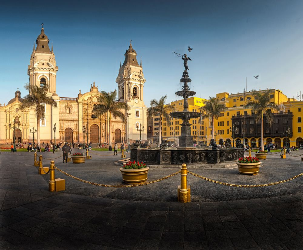 Main square (Plaza Mayor) and Lima Cathedral at sunset, Lima, Peru