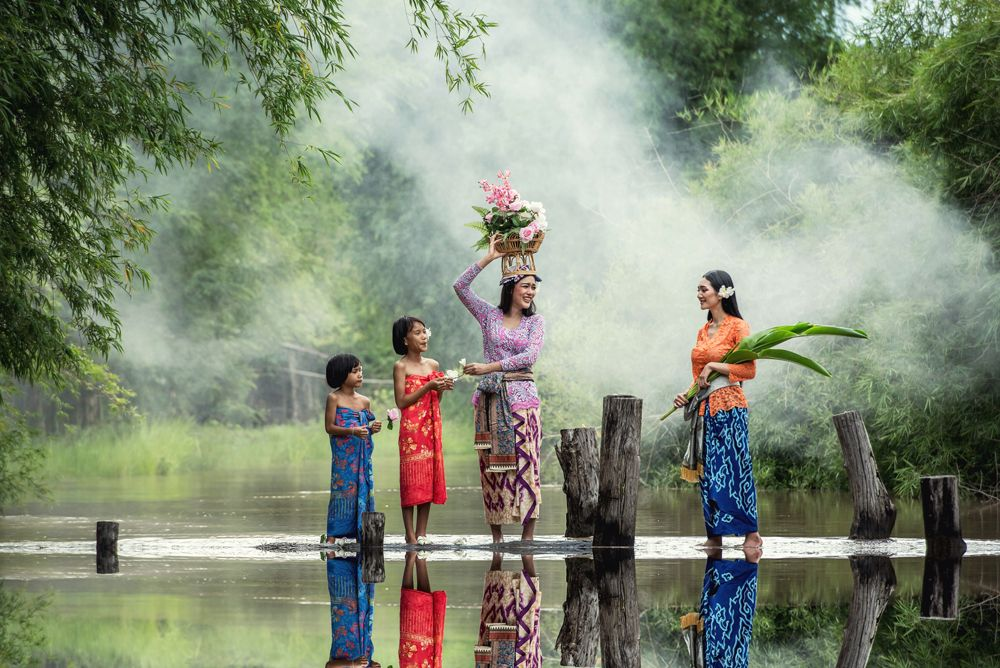 Beautiful Balinese women in traditional costumes, Bali, Indonesia