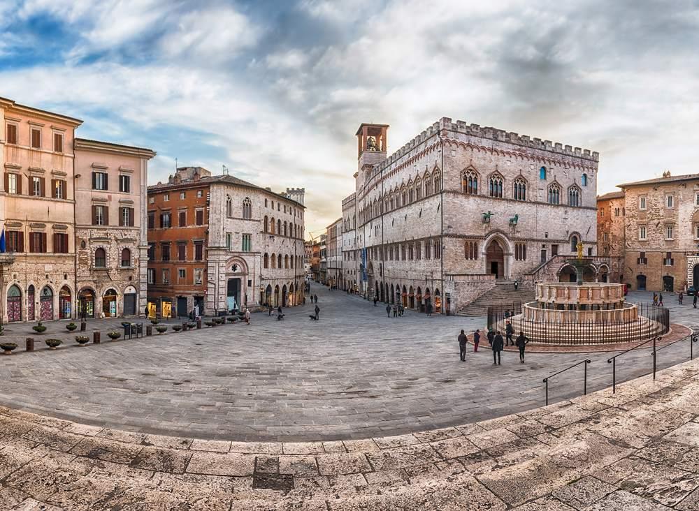 Piazza IV Novembre main square and medieval architecture in Perugia, Italy