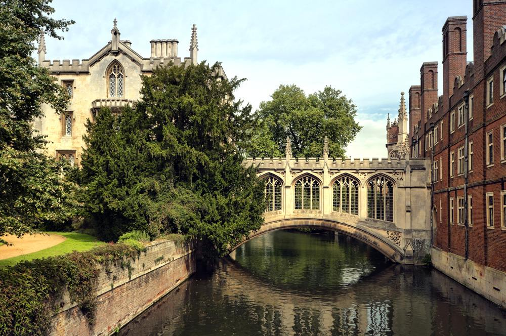 Bridge of Sigh at Saint John's College, Cambridge, England, UK .
