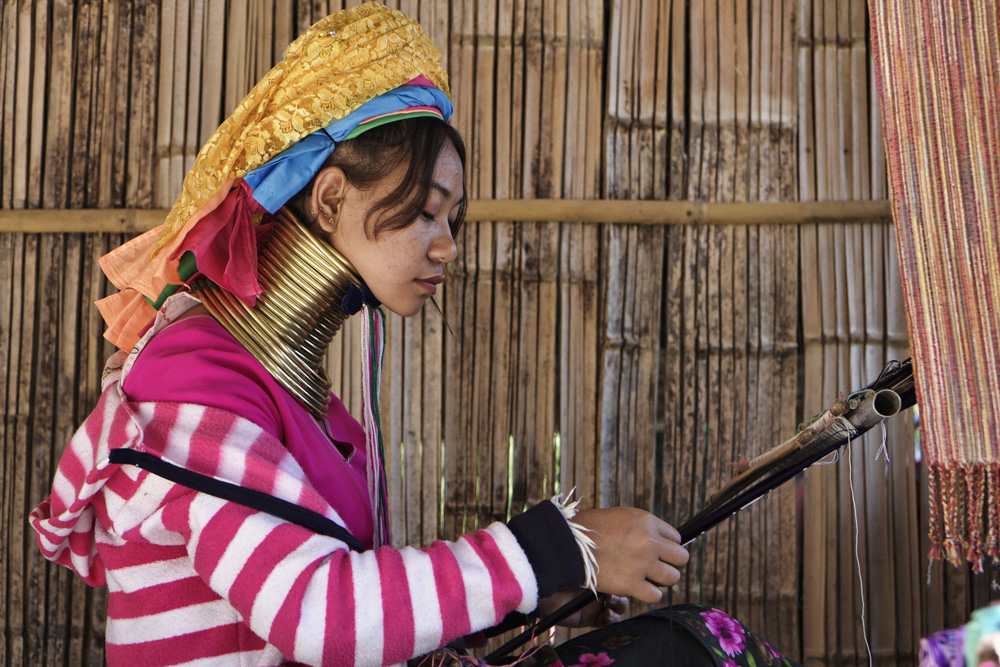 Karen Long Neck hill tribe woman in traditional dress, Chiang Mai, Thailand