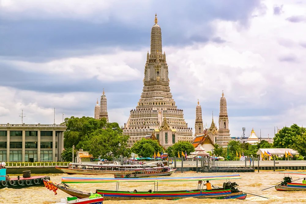 Wat Arun, situated on the west bank of Chao Phraya River, Bangkok, Thailand
