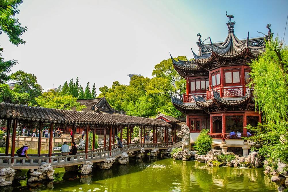 Covered bridge in Yu Yuan Gardens, Shanghai, China