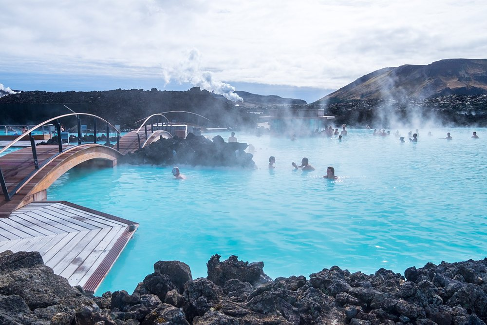 Blue Lagoon geothermal spa with foot bridges, Iceland