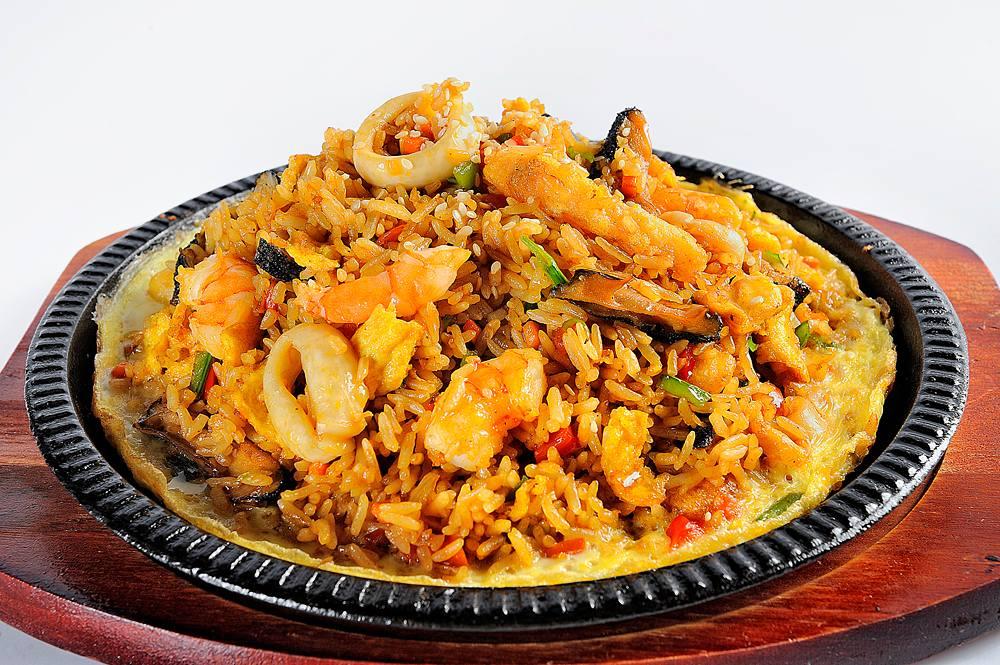 Dish of arroz con mariscos, Peru