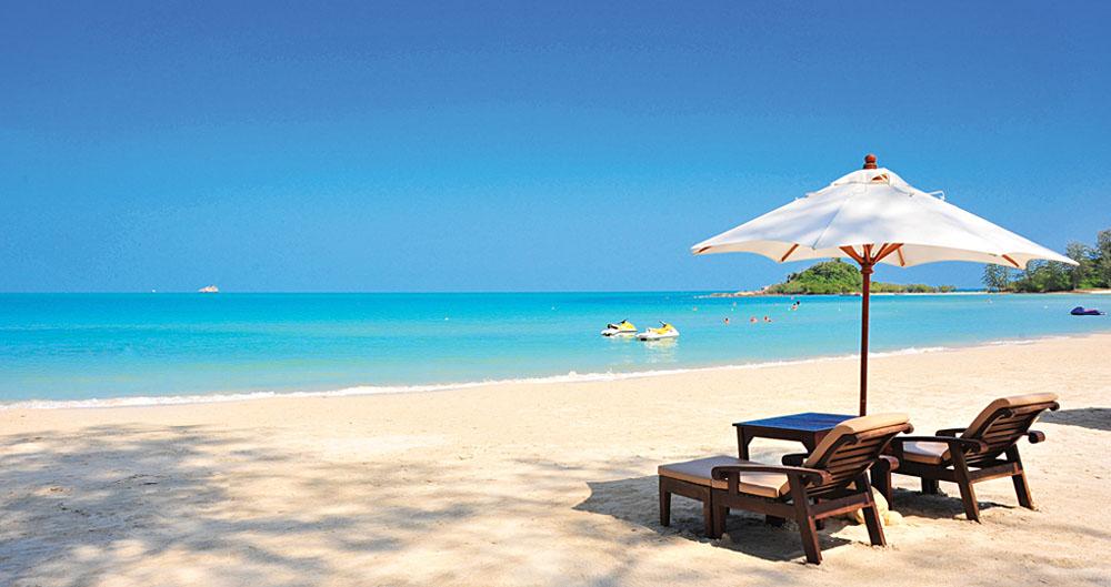 Muang Samui Spa Resort beach