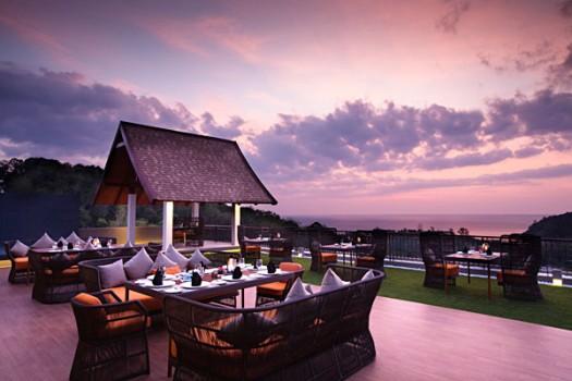 Sizzle Rooftop Restaurant, Avista Hideaway Resort and Spa