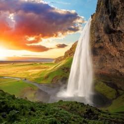 Waterfall-in-Seljalandsfoss-Iceland_165106163