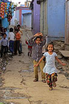 Nyssa Hartin - Neighbourhood Children of India