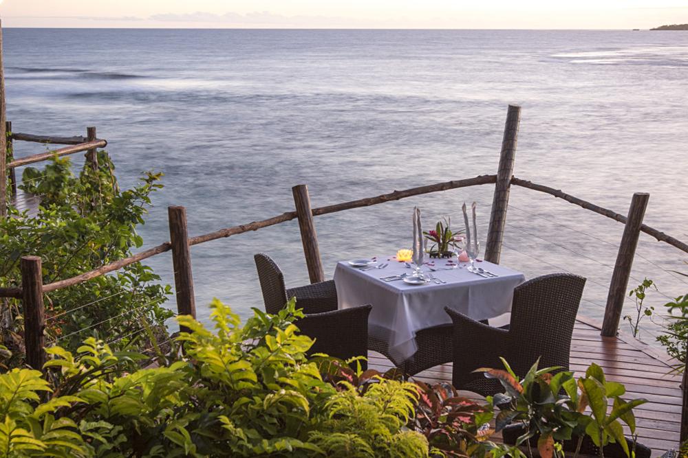 Savasi Island Villas - Dining, Savusavu, Fiji